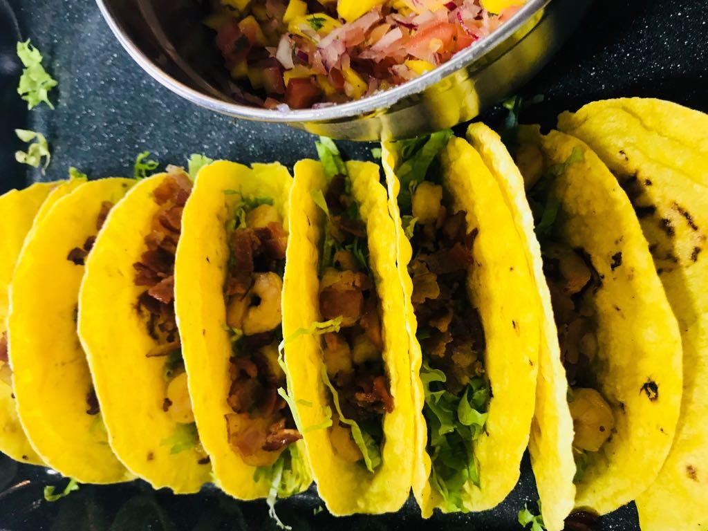 Como Tacos de Camarones con Mango 2018
